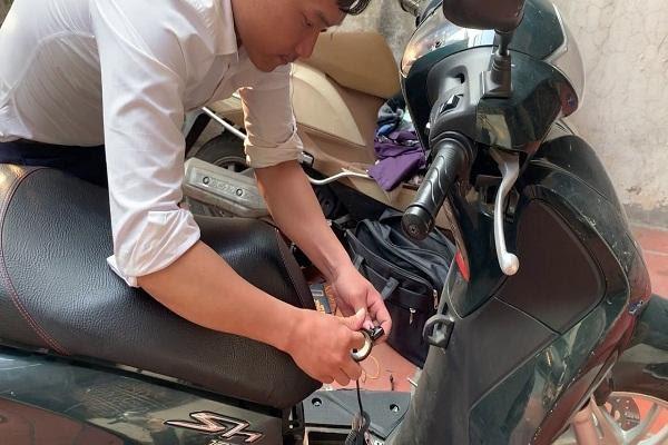 Lắp thiết bị định vị trên xe gắn máy